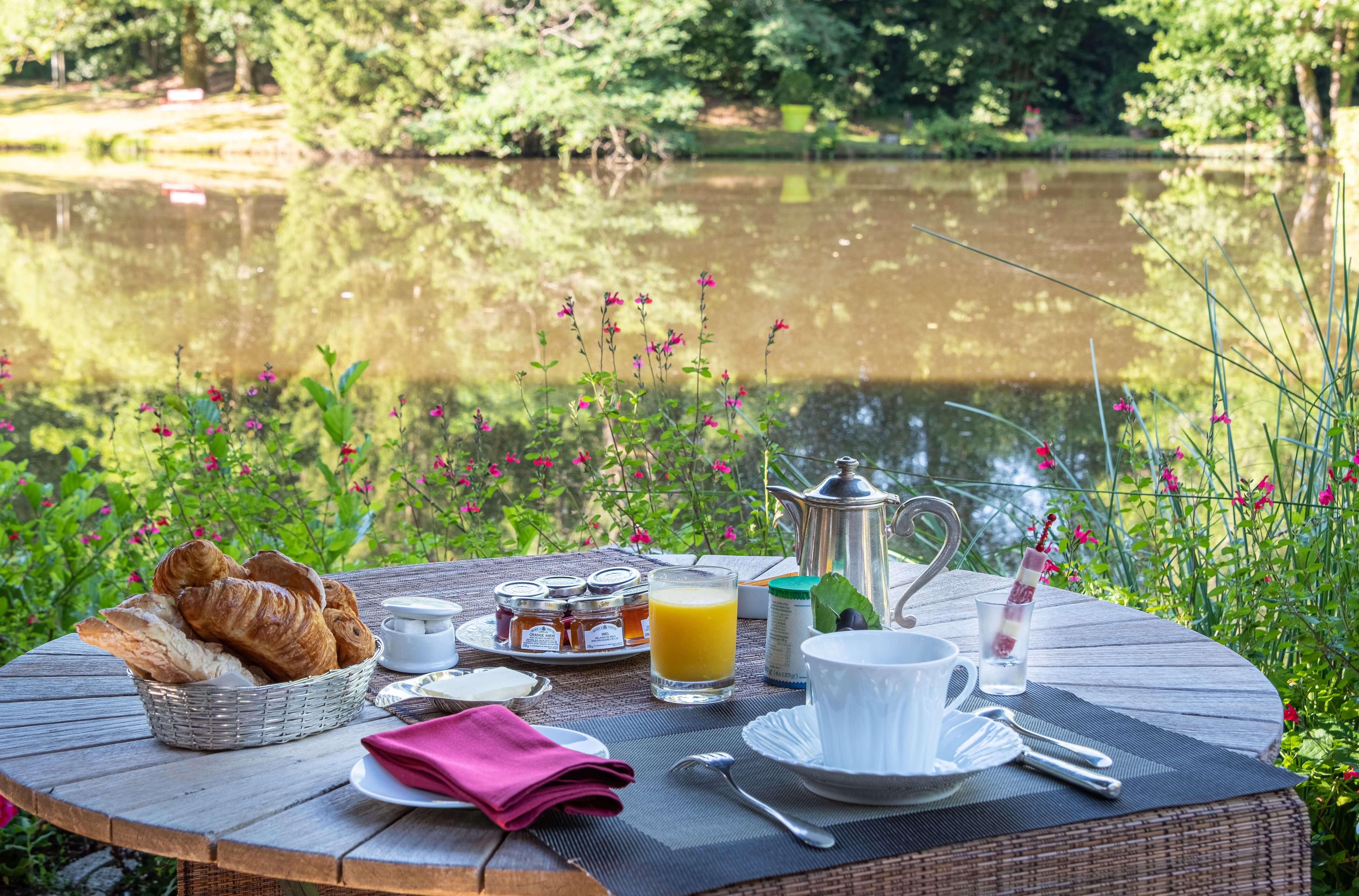 Breakfast at the Moulin de la Gorce